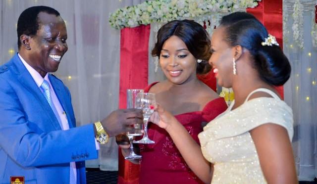 Simulizi za maisha ya mzee O.O Igogo kwa maneno yake mwenyewe!