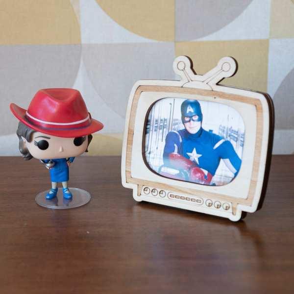 décoration bois vintage cadre photo retro TV