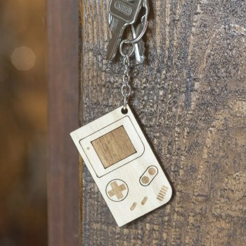 porte clé bois keychain retro 90's gameboy gaming
