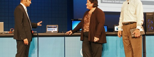 Mark Shuttleworth (left) demonstrates the new Ubuntu Moblin Remix to Intel's Renee James and Dell's John Thode