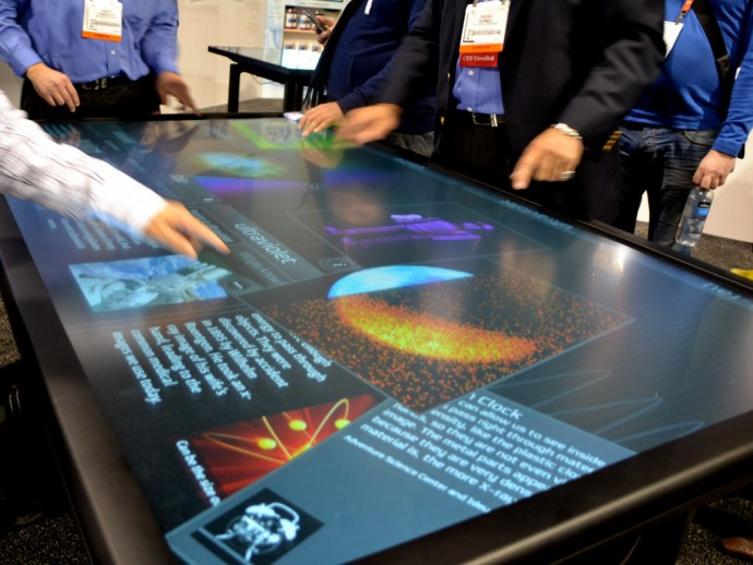 3M 84in multitouch table