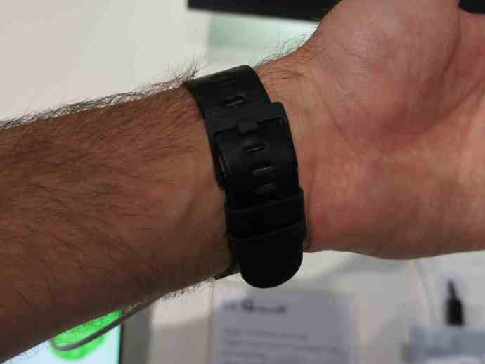 LG G Watch R hands on review clasp