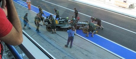 team-lotus-pits-462x346