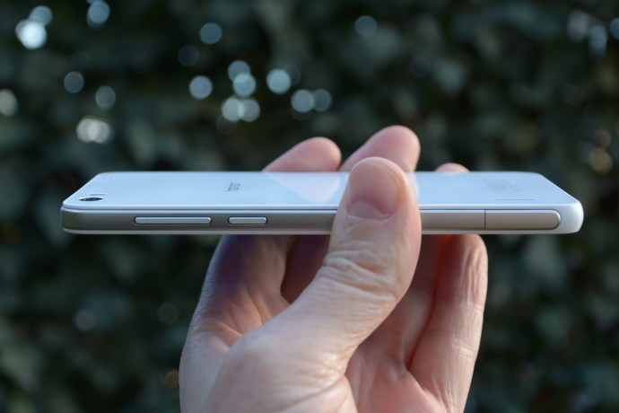 Huawei Honor 6 review - side