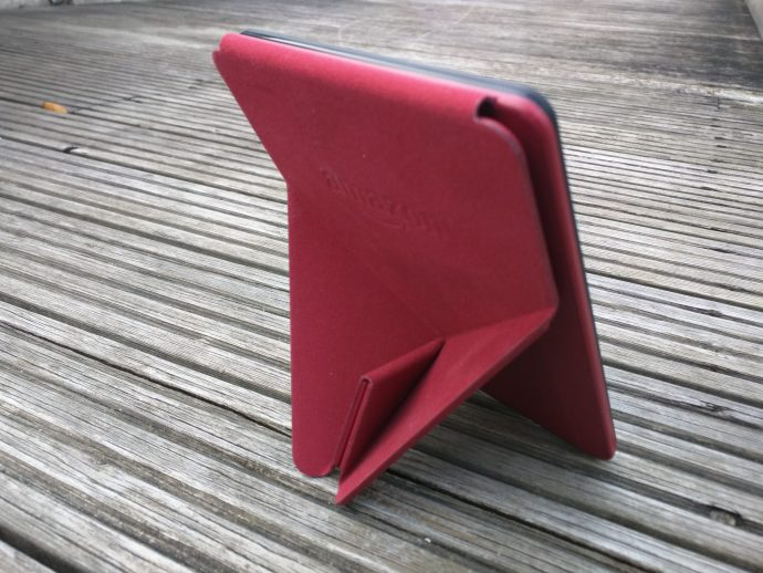 Amazon Kindle Voyage review - Origami case