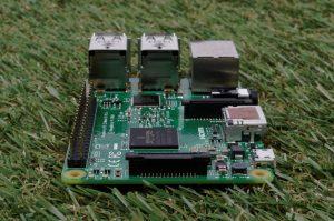 Raspberry Pi 2 review - end view