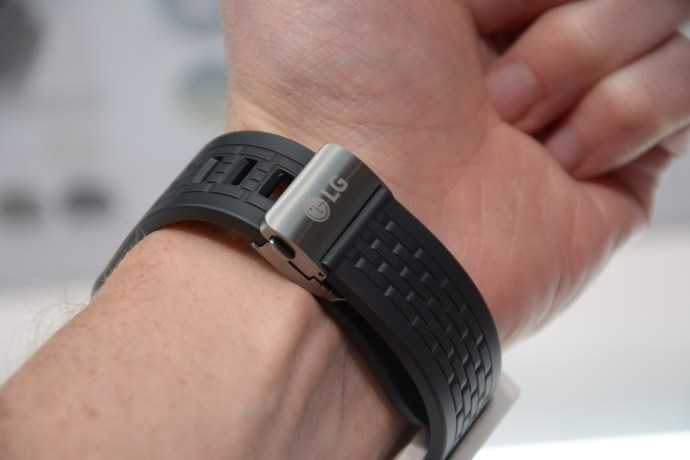 LG Watch Urbane LTE - wrist strap and clasp