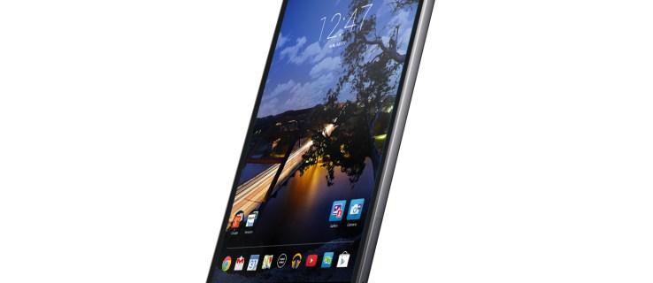 Dell Venue 8 7000 review - at oblique angle