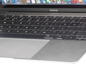 apple-macbook-2015-keyboard-close-up