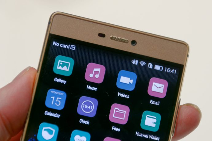 Huawei Ascend P8 review - top front