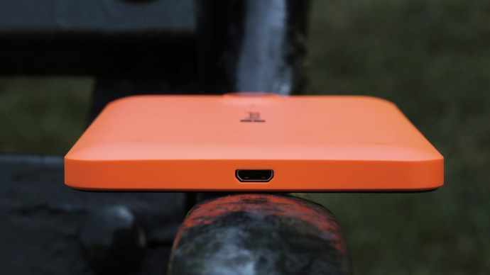 Microsoft Lumia 640 XL review: Bottom edge