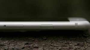 Apple iPhone 6 review: Left edge