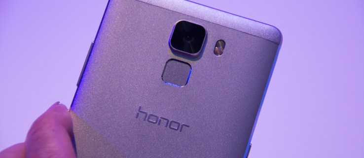 Honor 7 review: Flagship phone features in a £250 handset