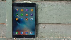 Apple iPad mini 4 review: Front on