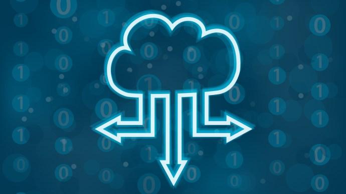 nube en el cielo con flechas que simbolizan la eterna emoción del correo electrónico alojado