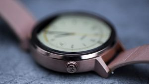 Motorola Moto 360 2 review: One design change is that the button on the side has changed position