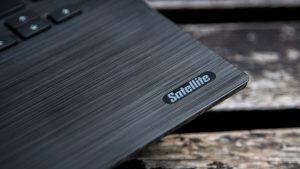 Toshiba Satellite C40-C review: Satellite logo