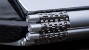 Lenovo Yoga 900 review: Hinge close-up