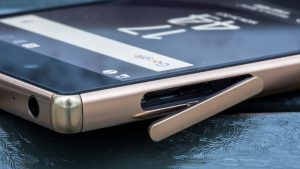 Sony Xperia Z5 Premium review: SIM and microSD card flap