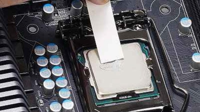 apply-thermal-paste-to-cpu