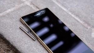 Sony Xperia M5 review: Close, no screen