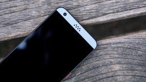 HTC Desire 530 top speaker