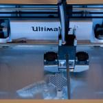 imaker_3d_printer_showcase_-_ultimaker_2_-_top_hole