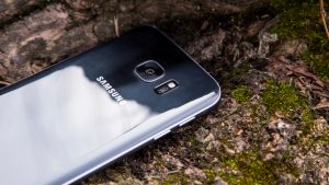 Samsung Galaxy S7 review: Rear at an angle