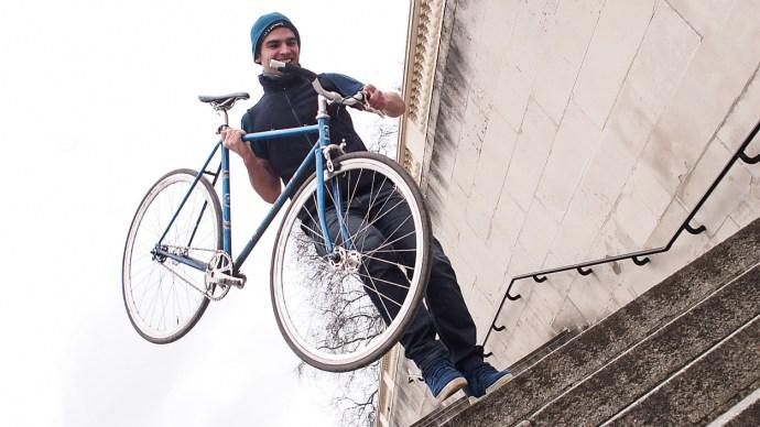 cyclist-vs-gps-julian-sayarer