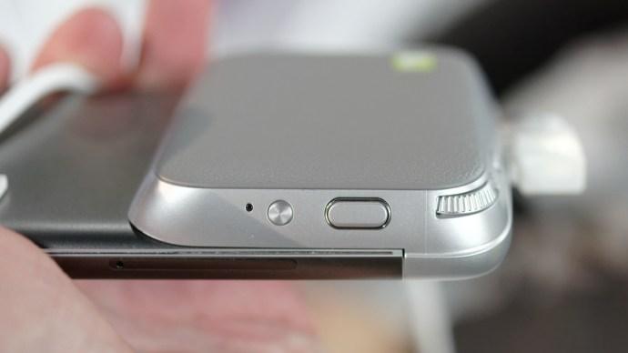LG G5 camera grip module