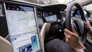 Tesla Model S autonomous picture