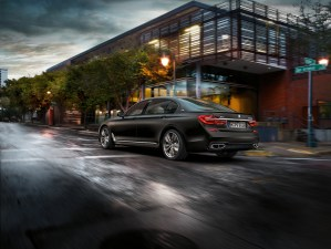 bmw_7_series_review_2015_22