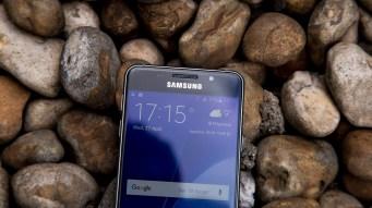 Samsung Galaxy A3 top of screen