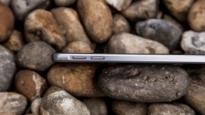 Samsung Galaxy A3 left edge
