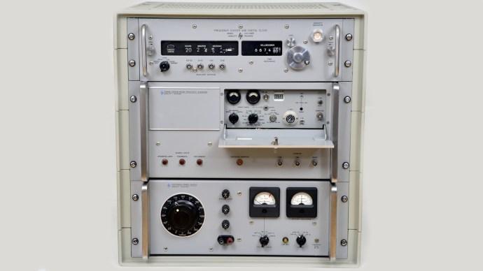 hp-5060a-atomic-clock