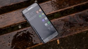 Samsung Galaxy S7 Edge - edge screen shortcuts