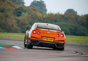 2017_nissan_gt-r_review_13