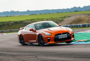 2017_nissan_gt-r_review_14