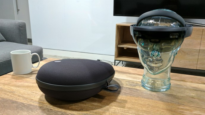 microsoft_hololens_-_headset_and_carry_case