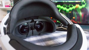 playstation_vr_-_inside_headset_0