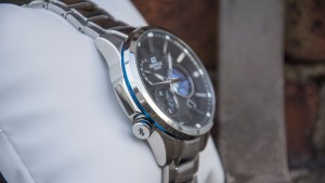Casio Edifice EQB-600 left side