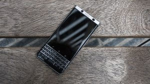 blackberry_keyone_1_of_9