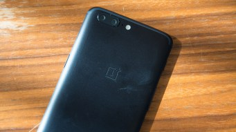 OnePlus 5 rear angled