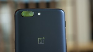 OnePlus 5 logo and camera