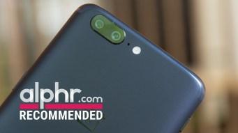 OnePlus 5 camera with award