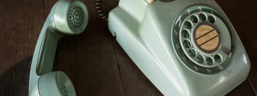 03-old-green-vintage-telephone