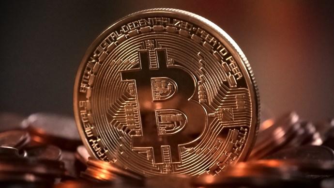 bitcoin_jumps_5000