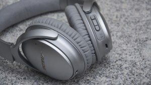 Bose QuietComfort 35 volume control