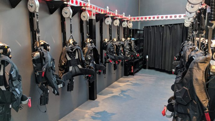 star_wars_secrets_of_the_empire_-_the_void_experience_-_suit_up_area