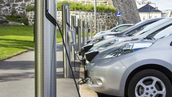 most_uk_cars_must_be_electric_by_2030_climate_change_watchdog_tells_government_-_2